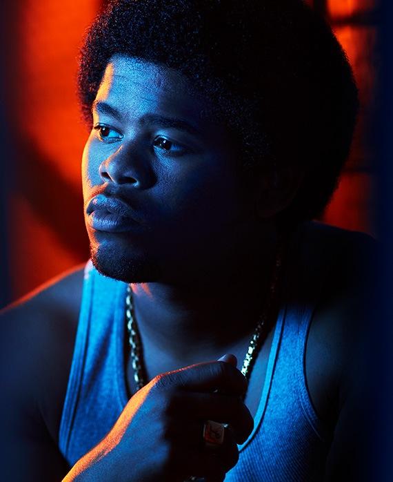 Isaiah  John  as Leon Simmons