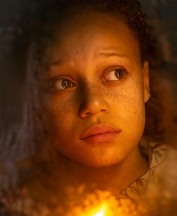 Tiarna Williams as Belinda Cratchit