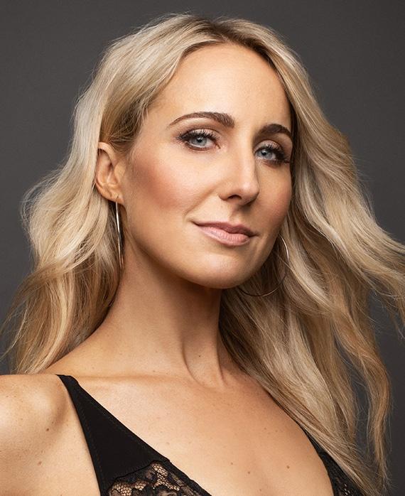 Nikki Glaser as Comedian