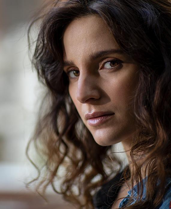 Carla Baratta as Luisa