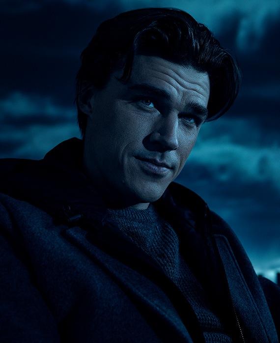 Finn Wittrock as Harry Gardner