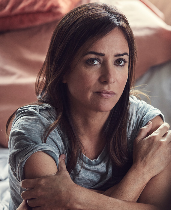 pamela adlon louie